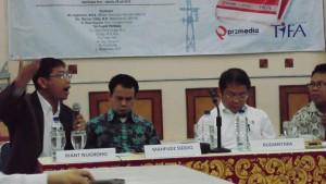 Bp.Riant Nugroho (pojok kiri), selaku Dosen Program Pasca Sarjana Fak.Ilmu  Administrasi UI dan Pengamat kebijakan Publik